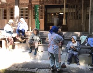 鶯宿諏訪神社とおばあちゃんたち